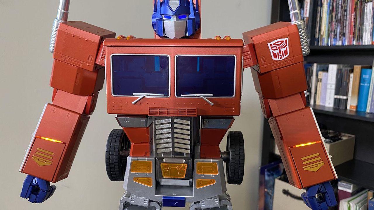 Auto-Converting-Optimus-Prime